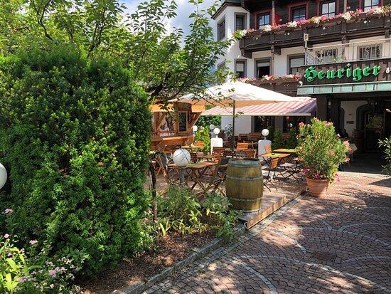 Gastgarten Heuriger Ellmau Restaurant