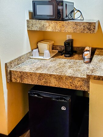 Microwave, Coffeemaker and Mini-fridge