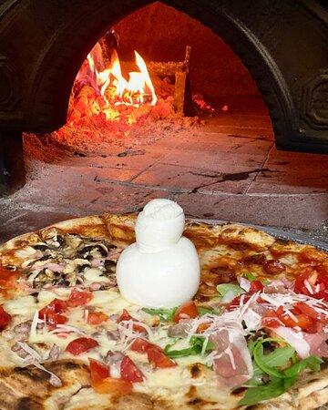 Pizza maxi con mozzarella di bufala