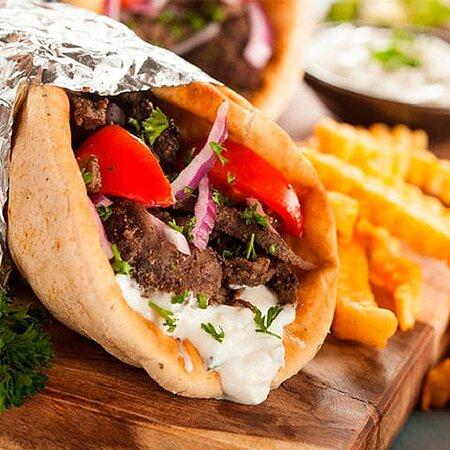 Burrito shawarma de res con pan árabe