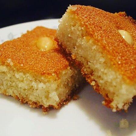 Postre arabe de sémola de trigo
