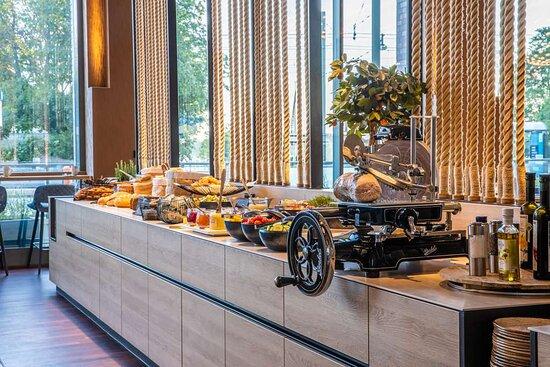KAI40 Restaurant Breakfast