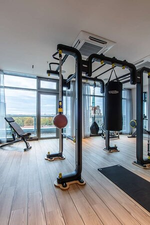 Fitness center with city view