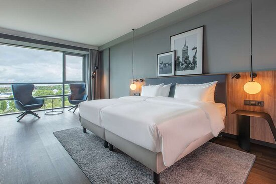 Premium king room with view