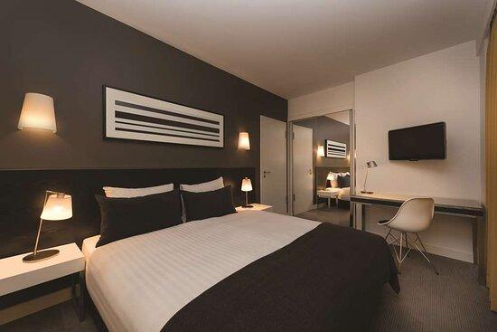 adina apartment hotel hackescher markt two bedroom apartment bedroom