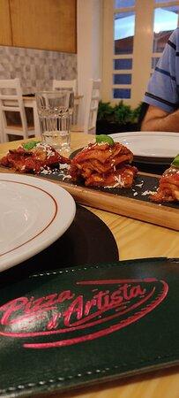 Parmesana de berenjenas y pizza de mortadela y pesto de pistachos...deliciosas