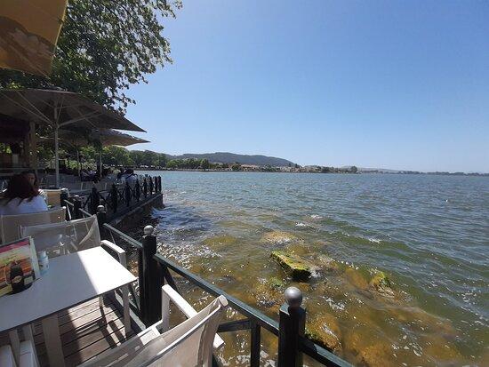 Στο πιο όμορφο σημείο της Λίμνης