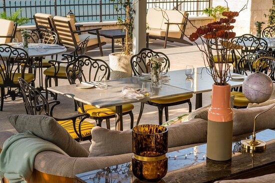 Restaurant Terrace detail