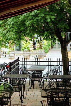 terrasse sur Ave Bourgogne