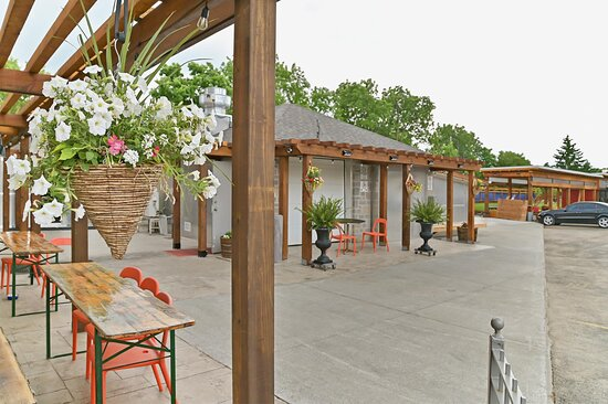 No Space is a bad space to dine with us outdoors at Risposta Bistro