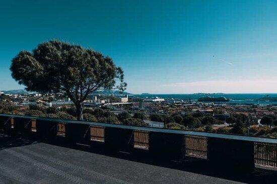 vue panoramique du restaurant sur Marseille