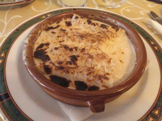 Canelones con bechamel de foie