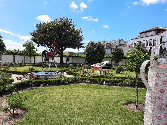 Jardim com arte