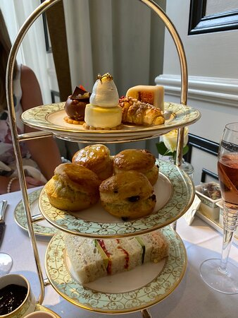 An amazing afternoon tea at the Park Room