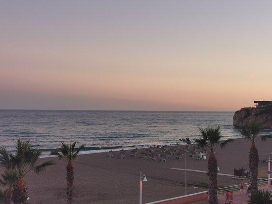 Rincon de la Victoria, Espanha: Atardeciendo 🌇.