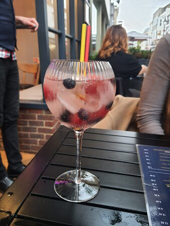 Delicious berry cocktail (which I can't remember the name of!)