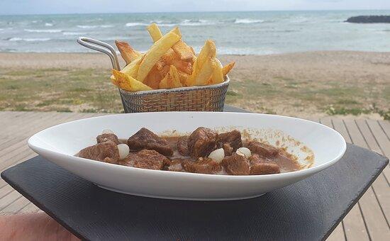 Carbonnade à la flamande et ses vraies frites belges