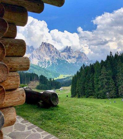 Panorami da favola a pochi passi dall'Hotel Mirabello vista Dolomiti in Trentino
