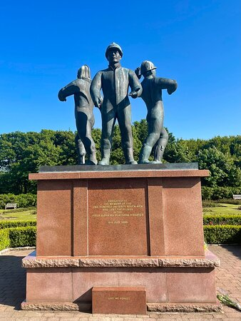 The horrific tragedy of the Piper Alpha  oil platform explosion on the 6th July 1988 is deeply embedded in the memories of Aberdeen & the north-east. So many people locally were employed within the industry, so it affected the area deeply.  The 167 men who lost their lives are remembered and honoured in this bronze sculpture of 3 oil-workers,  by Sue Jane Taylor , which is the middle of the Piper Alpha Memorial Garden. It was opened by the Queen Mother on the 6th July 1991.