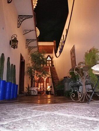 Disfruta de una noche agradable en El Serafin Hotel Boutique.