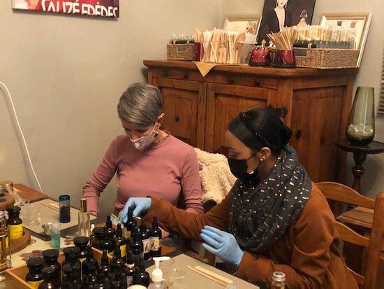 Perfume Prive Workshop: Making perfume put to the test