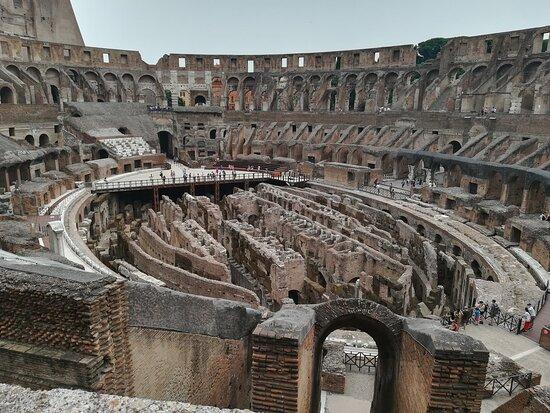 Coliseo: Building interior & underground area