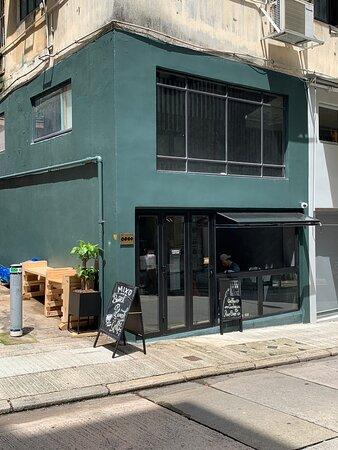 Mixo coffee shop on Tai Ping Shan