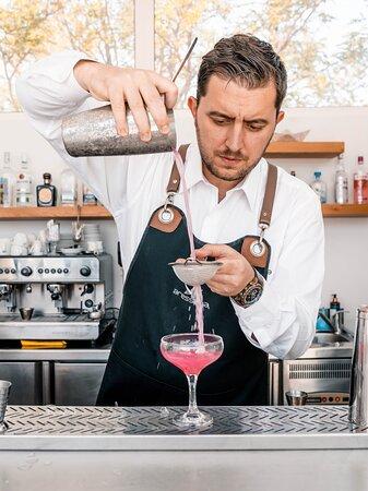 Bartender's Choice Cocktail o' clock   Pool Bar