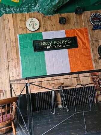 Nelly Foley's Pub
