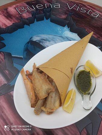 cartoccio di fritto di paranza cucurucho de pescado frito mixto mixed fried fish card cartoccio de frit mélangé de poisson