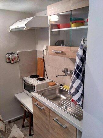 T.G Corfu Studio 2 kitchen