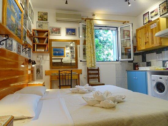 Spacious Comfort Room (3-4 Adults)