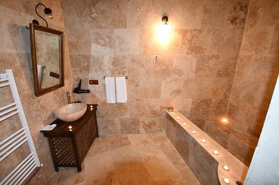 Kemer Oda Banyo