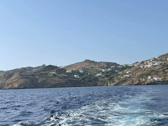 Leaving Ios to head back to sunset in Santorini