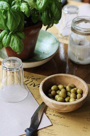 Olive di nostra produzione.
