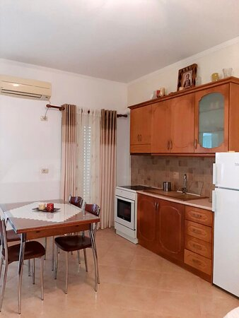 Villa Elmazi consists of 3 individual apartments in one single villa. It offers you free wifi, bedrooms, kitchen cabinets where yoi can cook as you desire. The owners are a lovely young coiple full of energy and quite friendly
