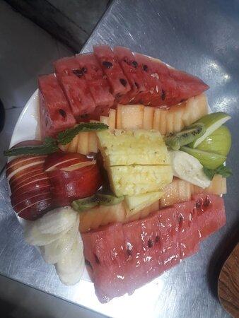 Ηνωμένα Αραβικά Εμιράτα: Resturant in dubai.     Hatem al tai restaurant   +971564470746  6 3rd St - DeiraAl Rigga - Dubai