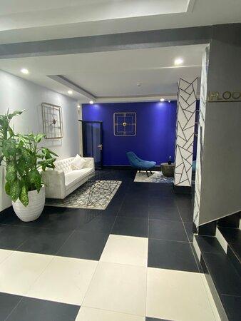 MUSE Lobby Lounge