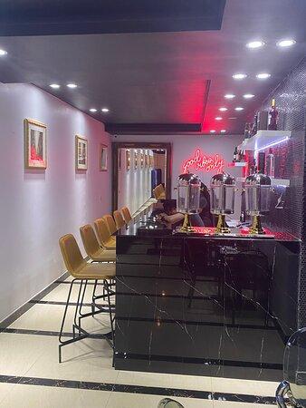 O Lounge & Bar
