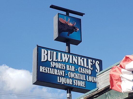 West Yellowstone, MT: Bullwinkles Sports Bar