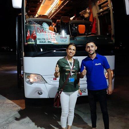 Alasehir, Turquia: Bu akşamda sürpriz bir şekilde ##Lisinya ##turu ağırladık katkılarından dolayı acenta sahibi Gülsen hanıma ve rehberimiz Tolga beye ayrıca teşekkür ederiz.