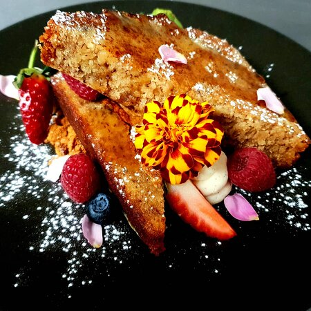 Banana Bread French Toast, with vanilla bean ricotta, lotus biscoff crumble, maple syrup and seasonal fruit