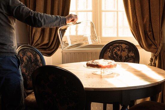 découvrez notre tartre TATIN, cuisinée selon la recette originelle...