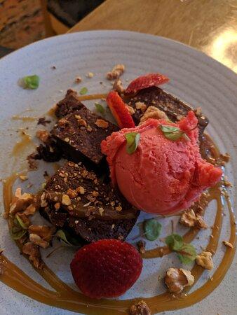 Delicious meals in historic pub