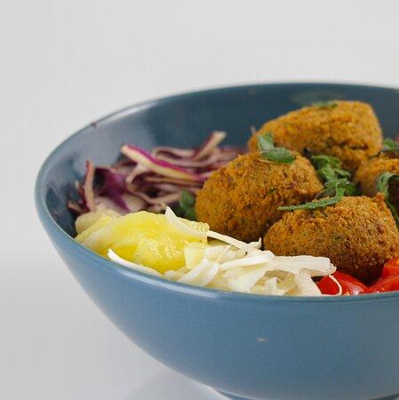 Signature poke bowl: Falafel La Bel