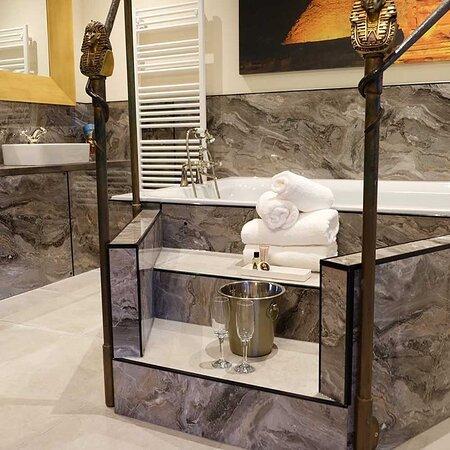 Cairo Bathroom