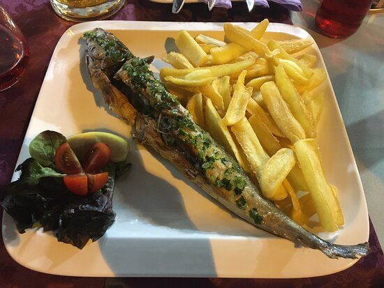 The best food in Fažana. Perfect grilled mackerel, family friendly waiter and everythin is for good price ♥️ next time in Fažana, we come again for sure