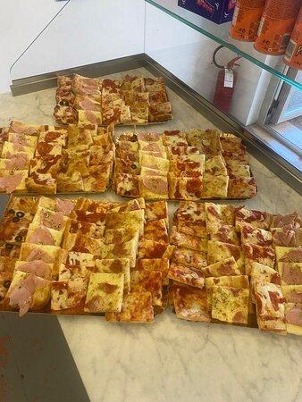 Ristoro Bar Pizza Via Fausto Coppi , 2  51037 Montale (PT)