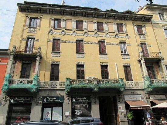 Palazzo Via Spartaco 4