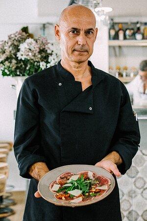 Chef with carpacio